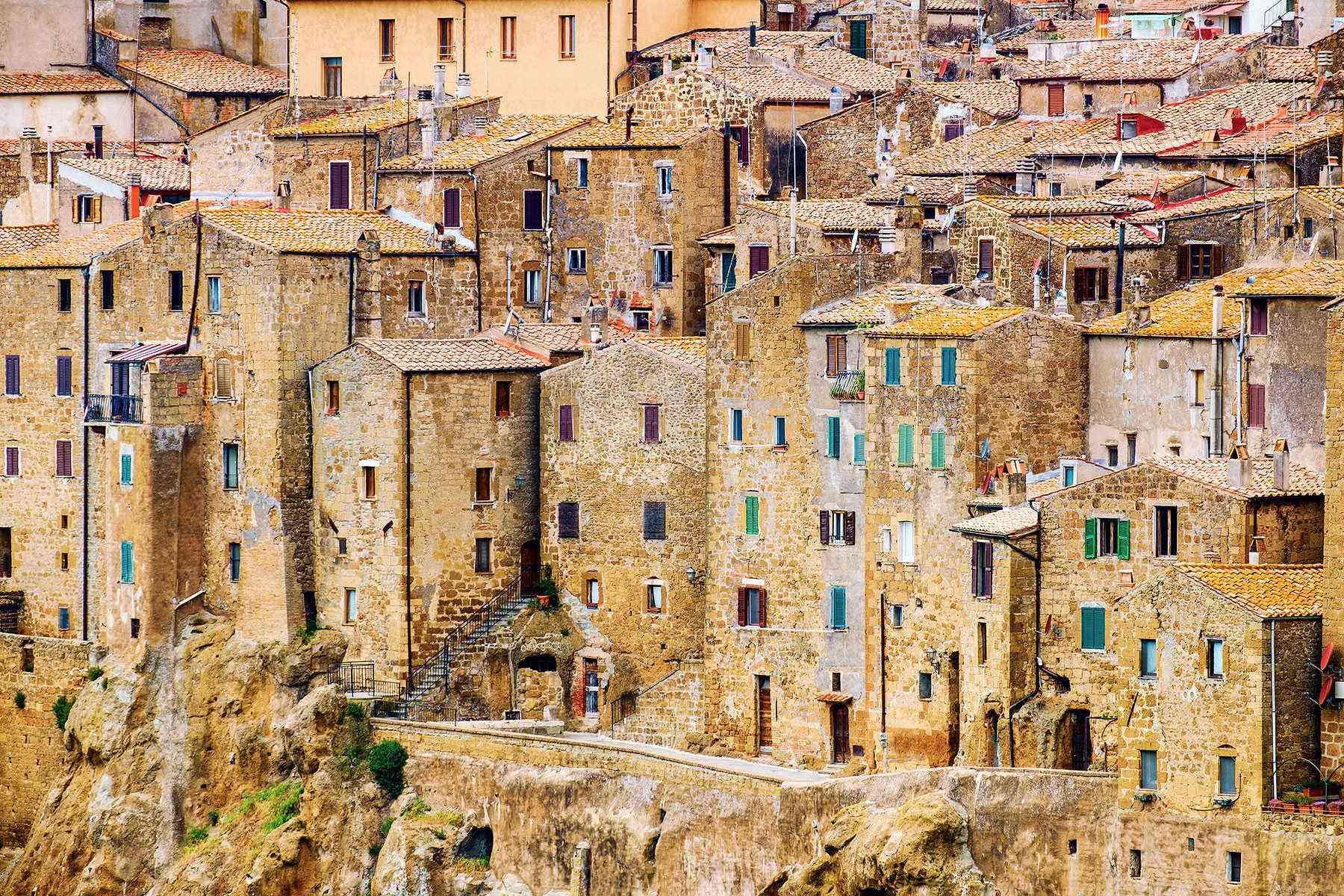 Medieval-Italian-Towns-Pitigliano-4