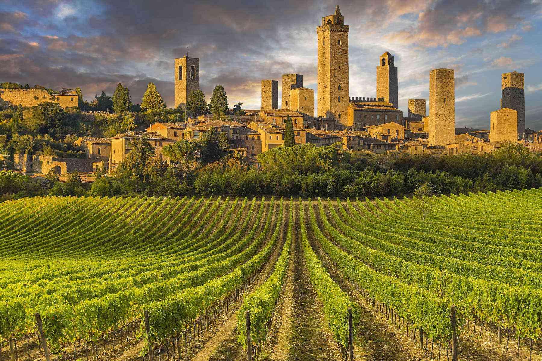 Medieval-Italian-Towns-San-Gimignano