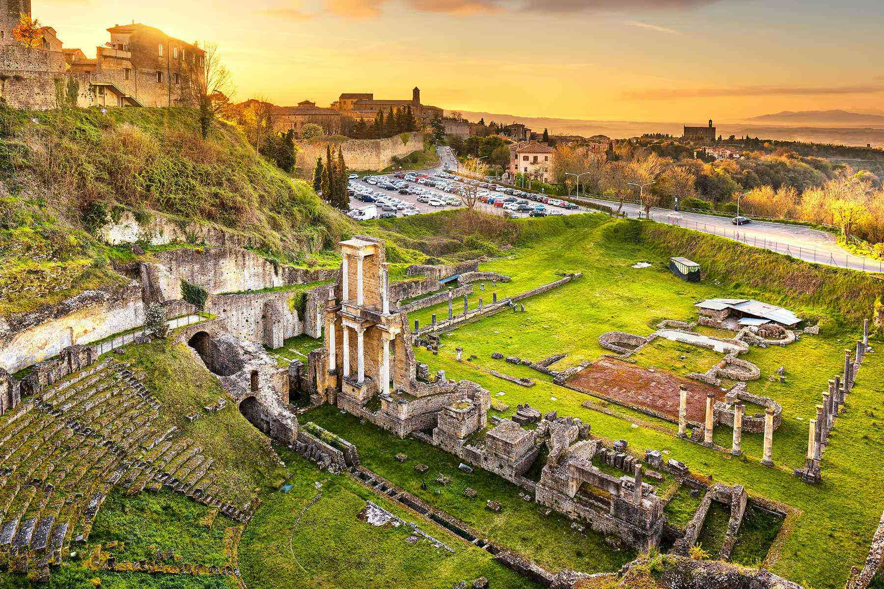 Medieval-Italian-Towns-Volterra-3