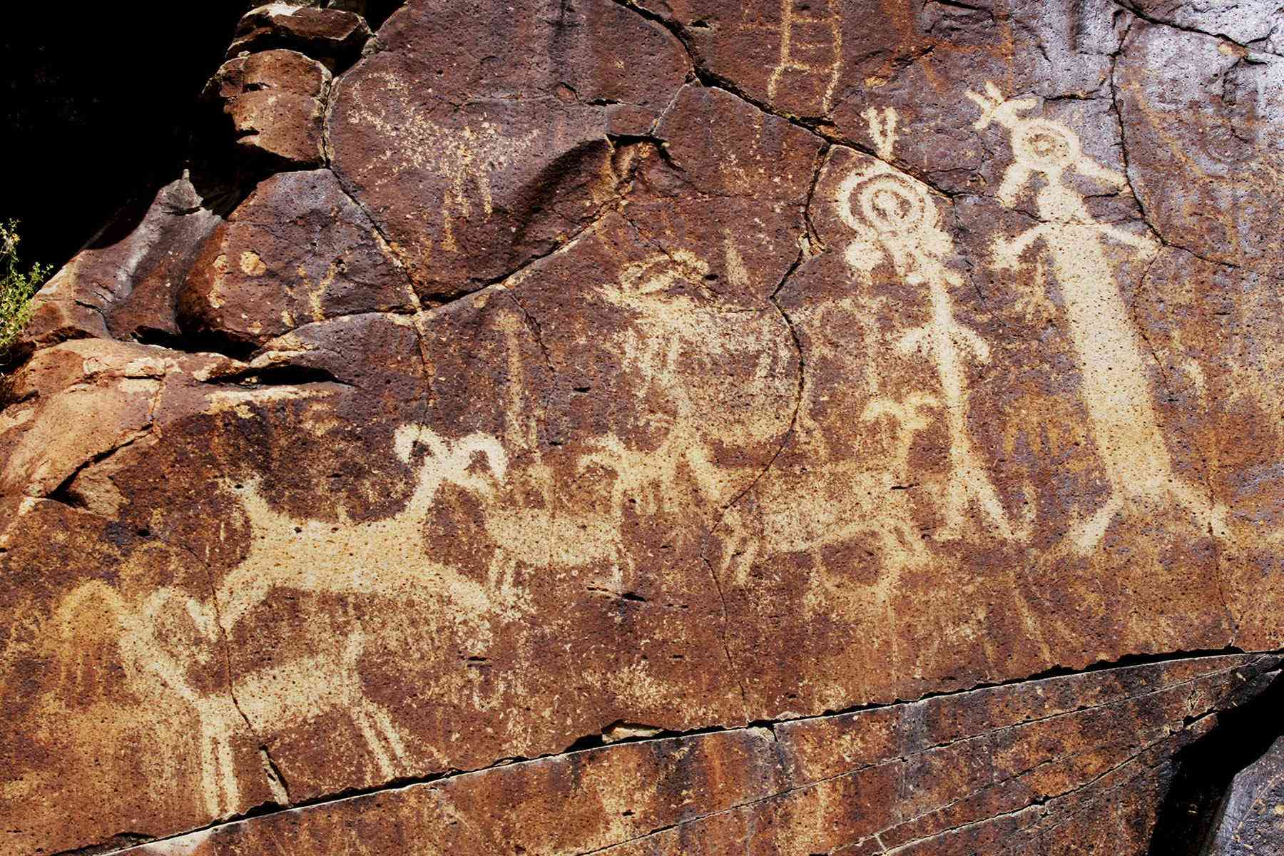 15 Caves and Canyons That Hold the World's Ancient Art ...  |Ancient Rock Cave Drawings