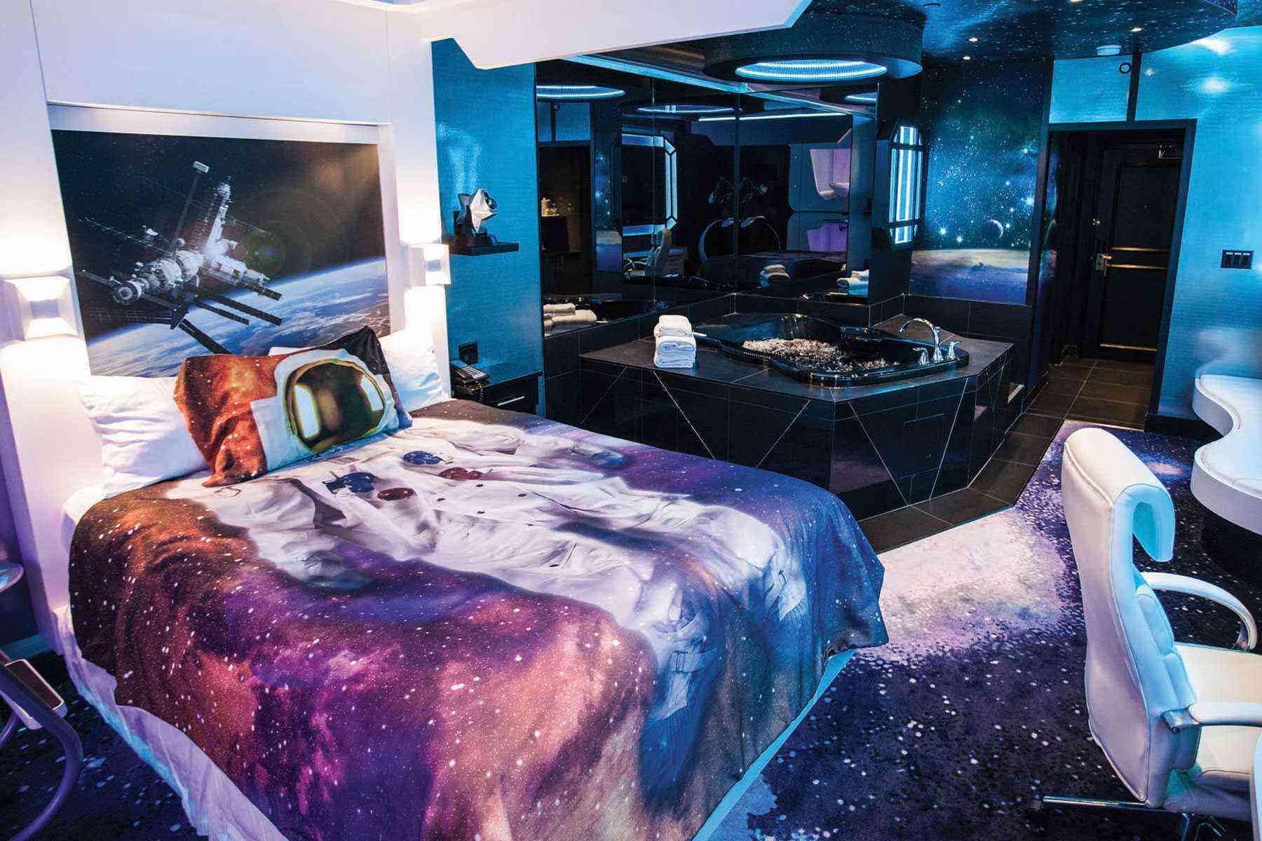Fantasyland Hotel Space Room
