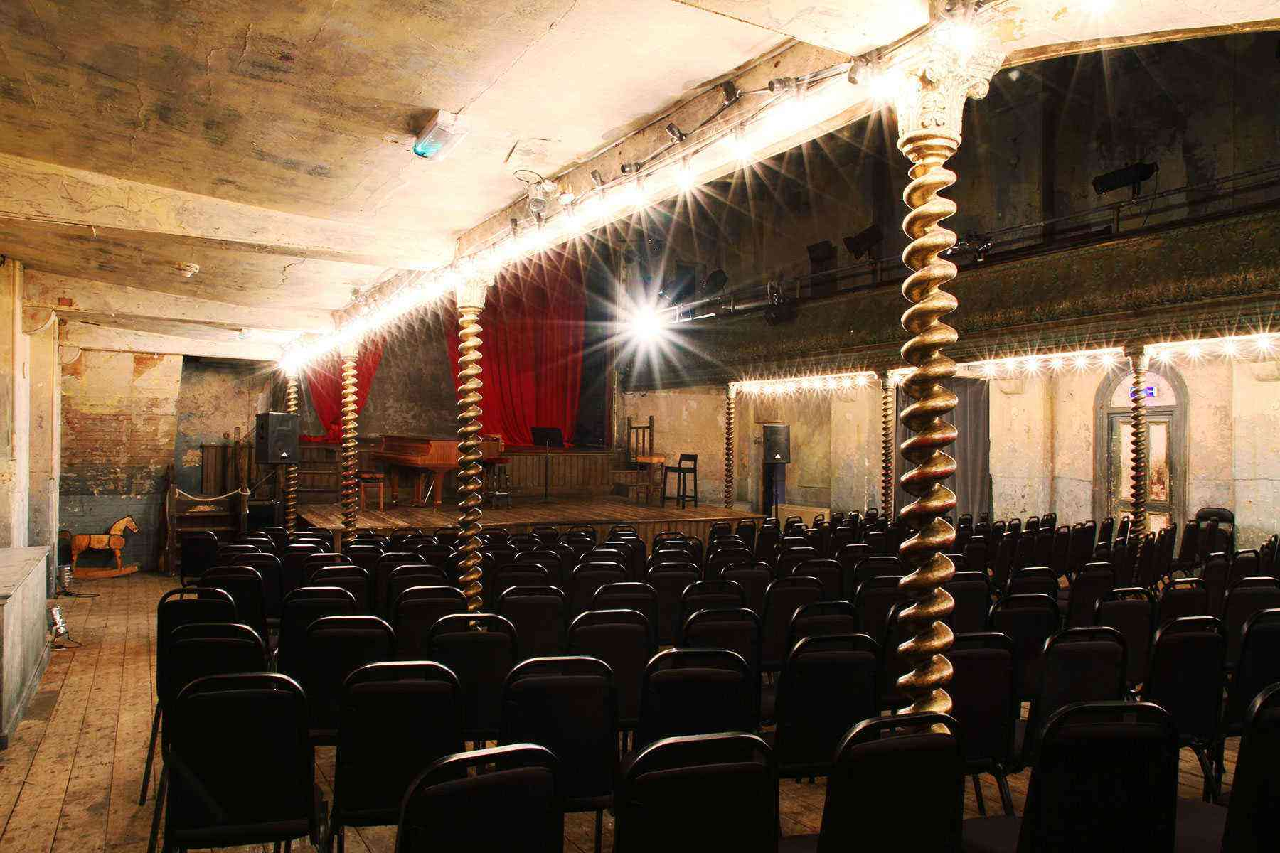 Under-The-Radar-London-Wiltons-Music-Hall-5