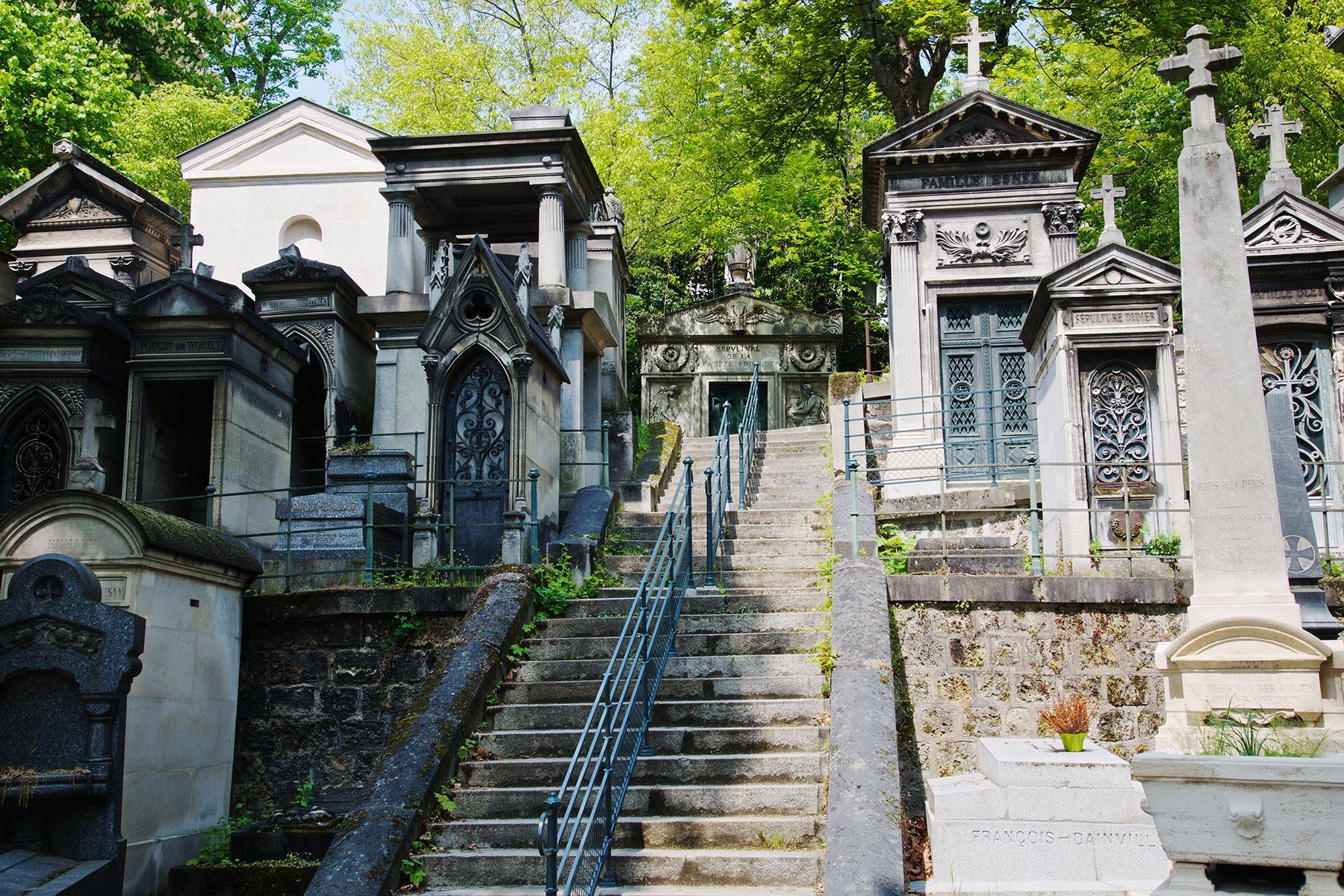 The world s most famous cemeteries fodors travel guide - Cimetiere pere la chaise ...
