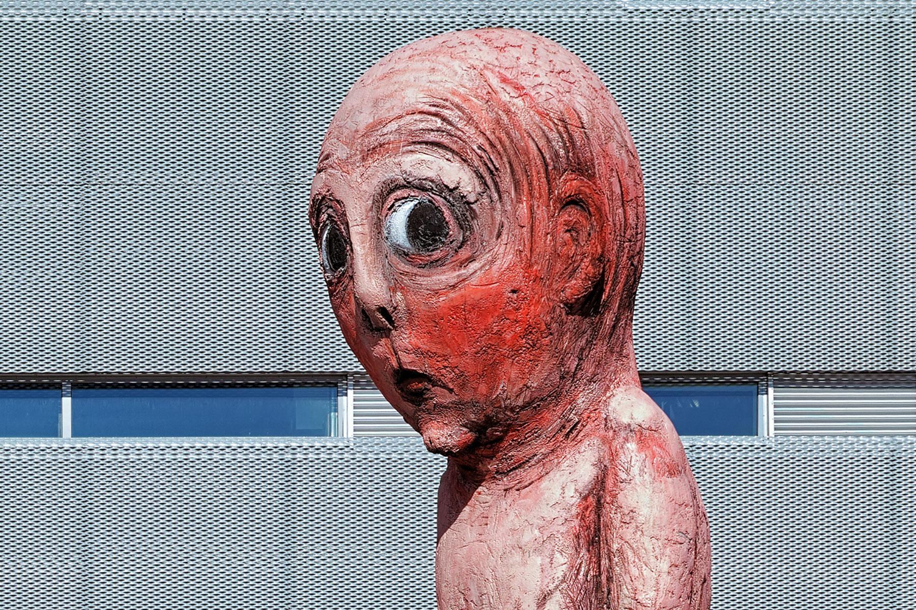 15 VERY Weird Statues | 1800 x 1200 jpeg 583kB