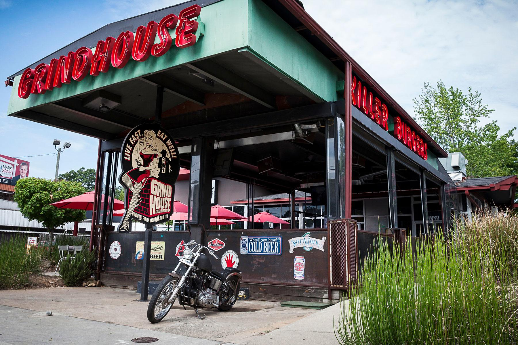 Gourmet-Gas-Stations-Grindhouse-Killer-Burgers