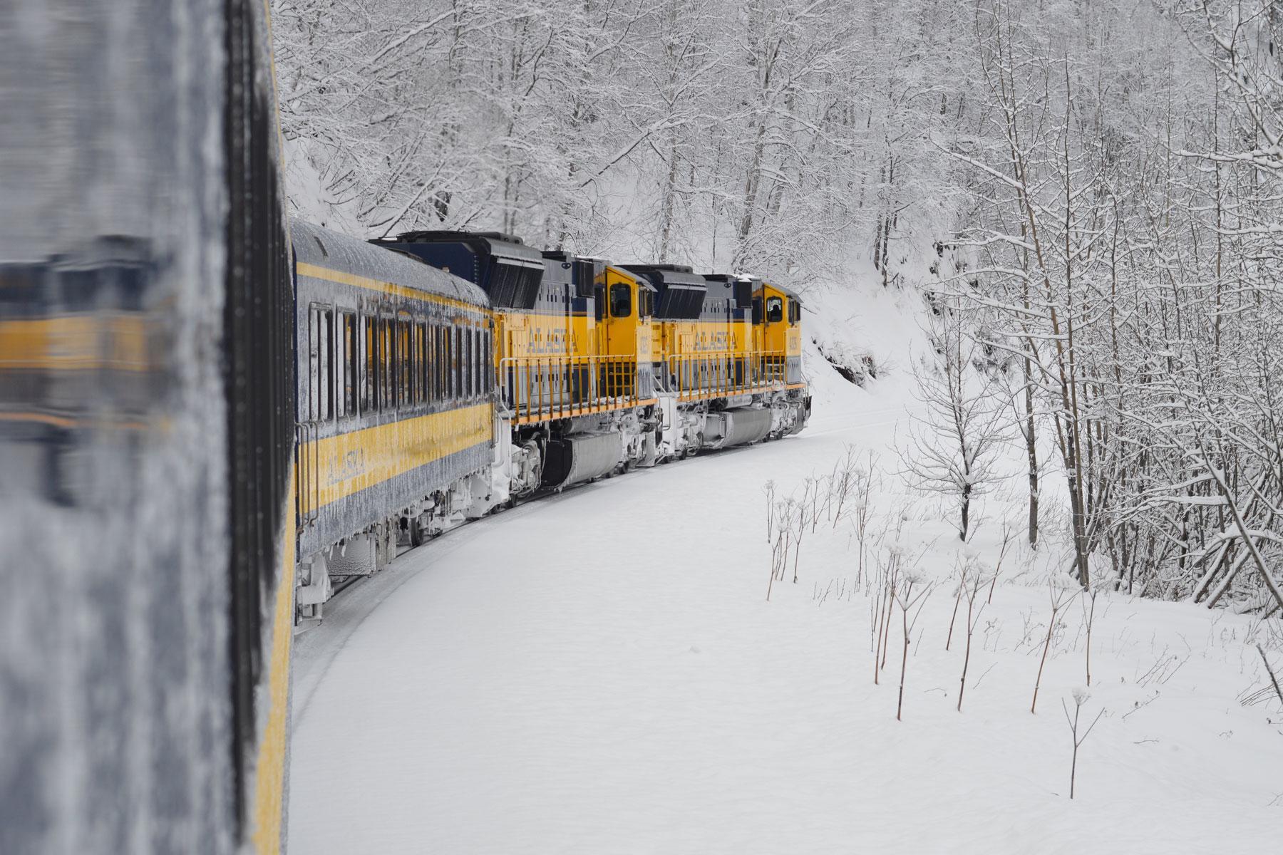14 Winter Train Rides