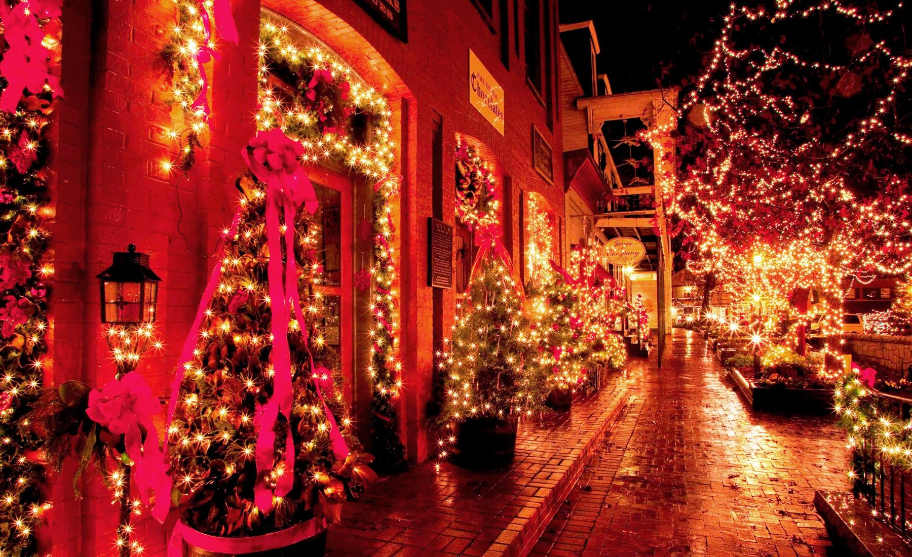 15 christmas obsessed towns - Christmas Town Decorations