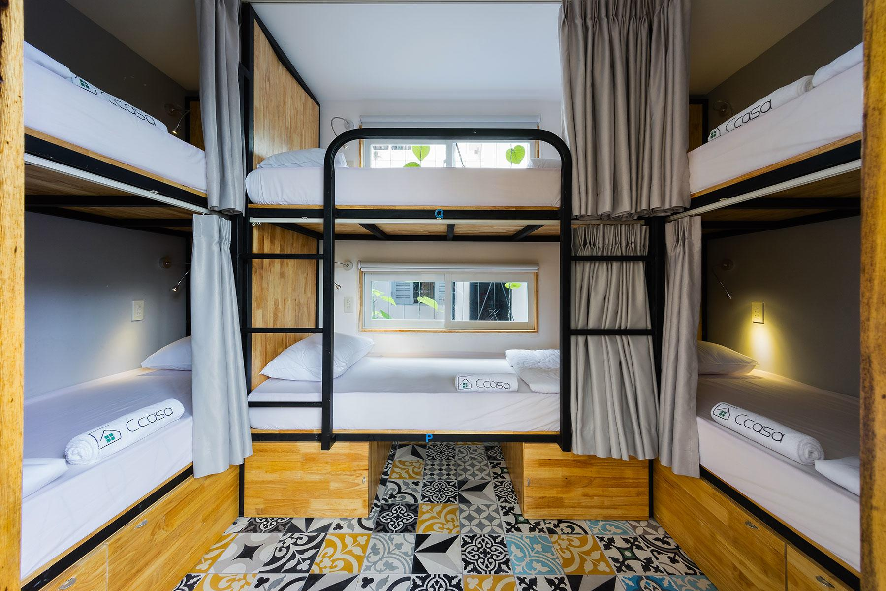 Colinial Hotel Rooms
