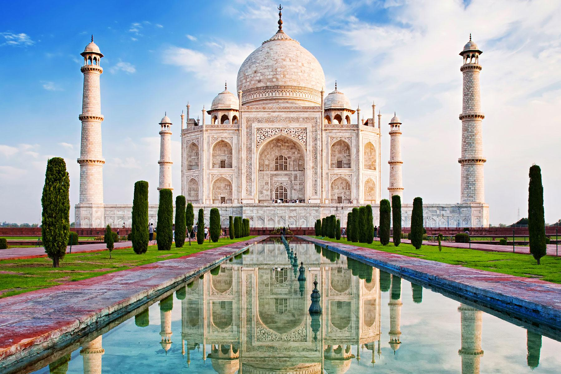What You Need To Know About Traveling The Taj Mahal