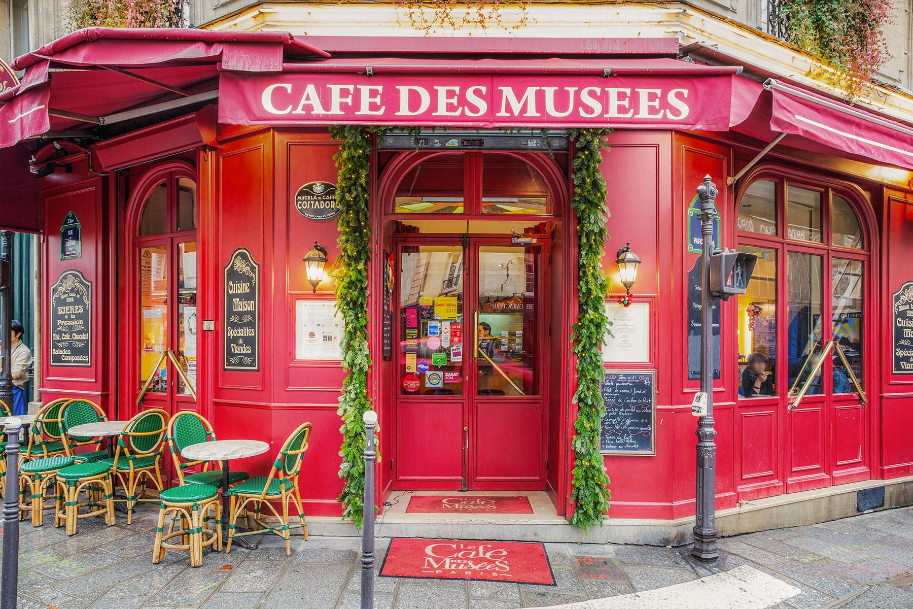 14 Classic Bistros in Paris Worth Visiting