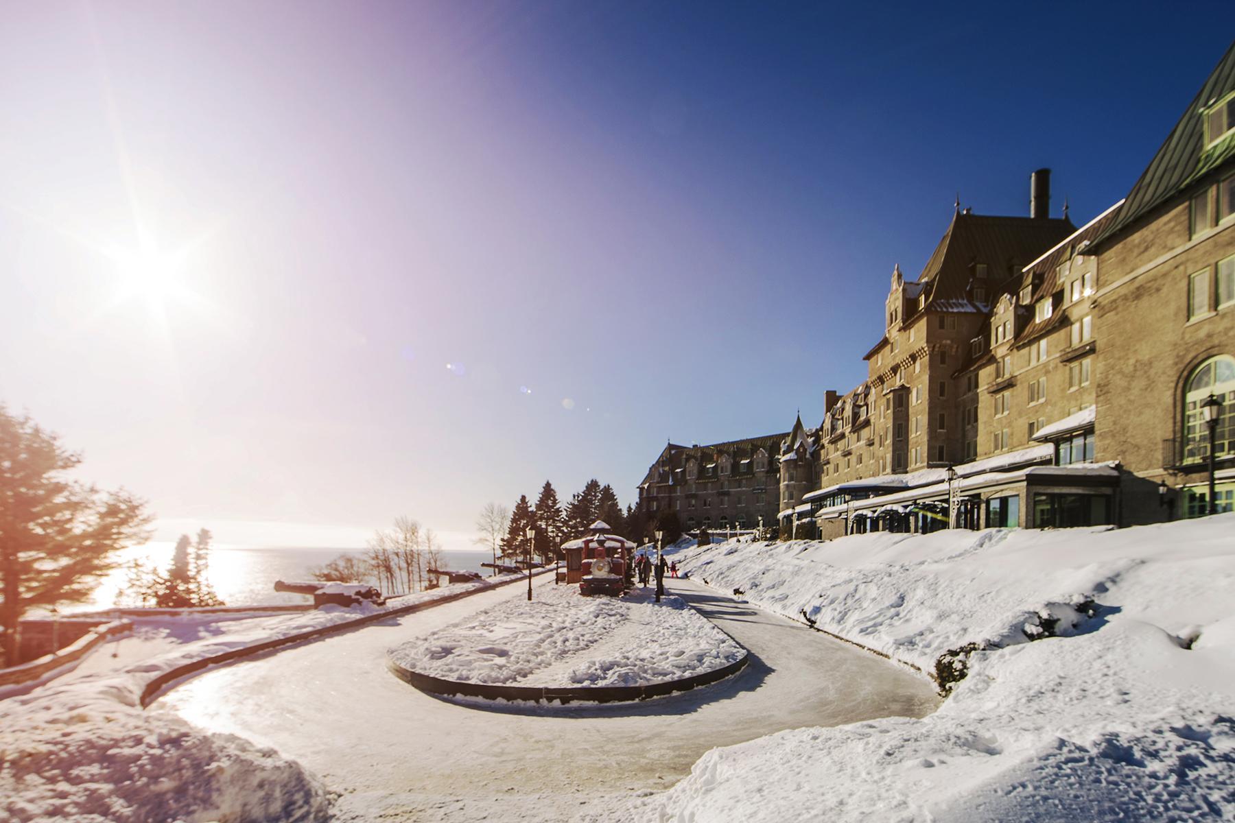 Romantic Hotels-Fairmont Le Manoir Richelieu-2