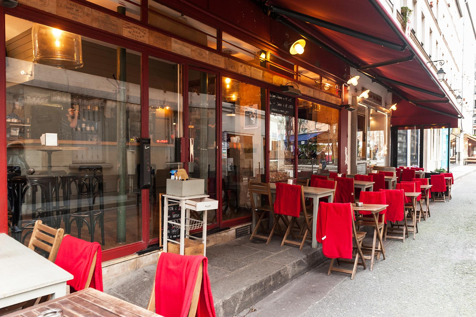 16 Best Wine Bars in Paris