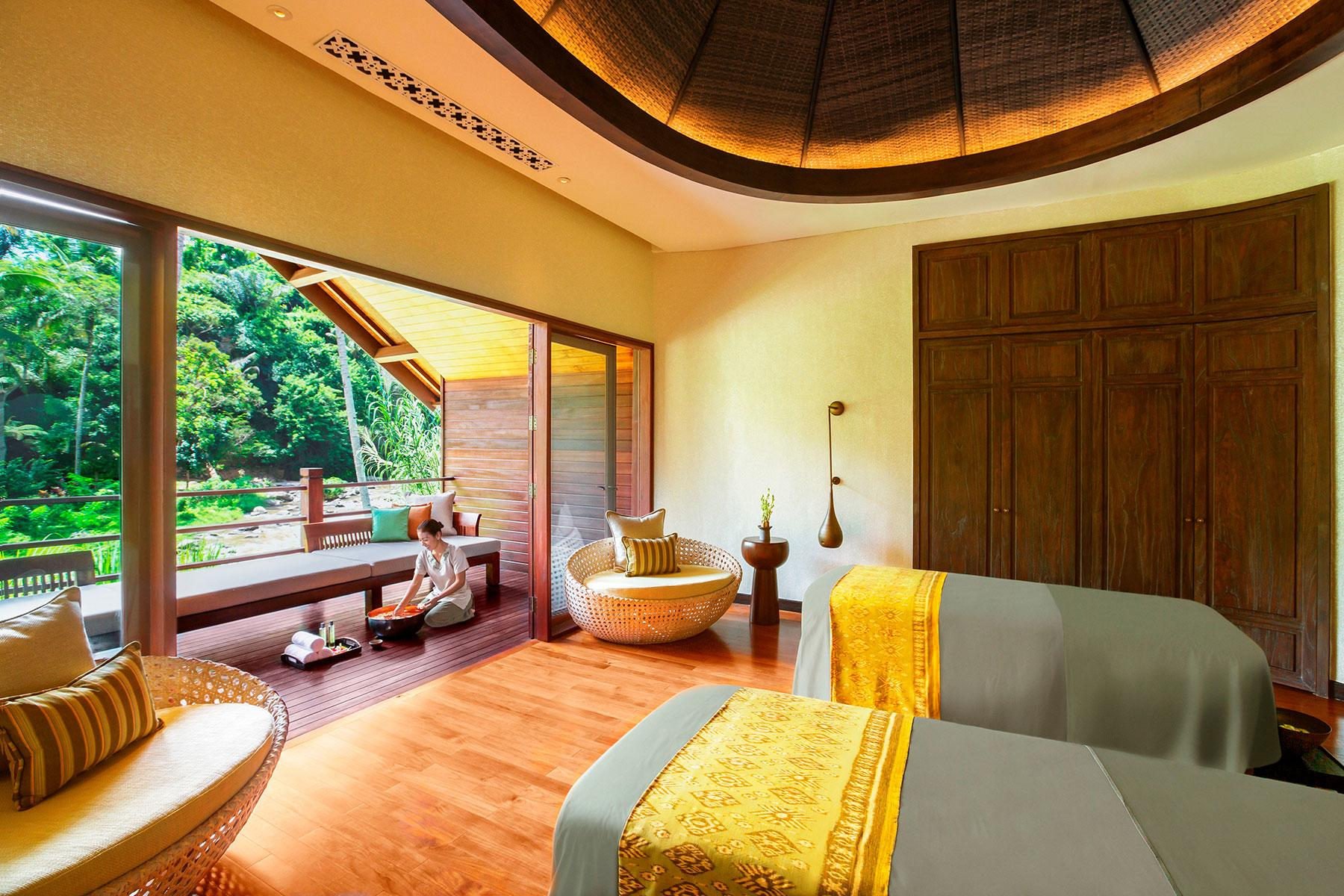 Bizarre-Spa-Balinese-Heal-Touch-1