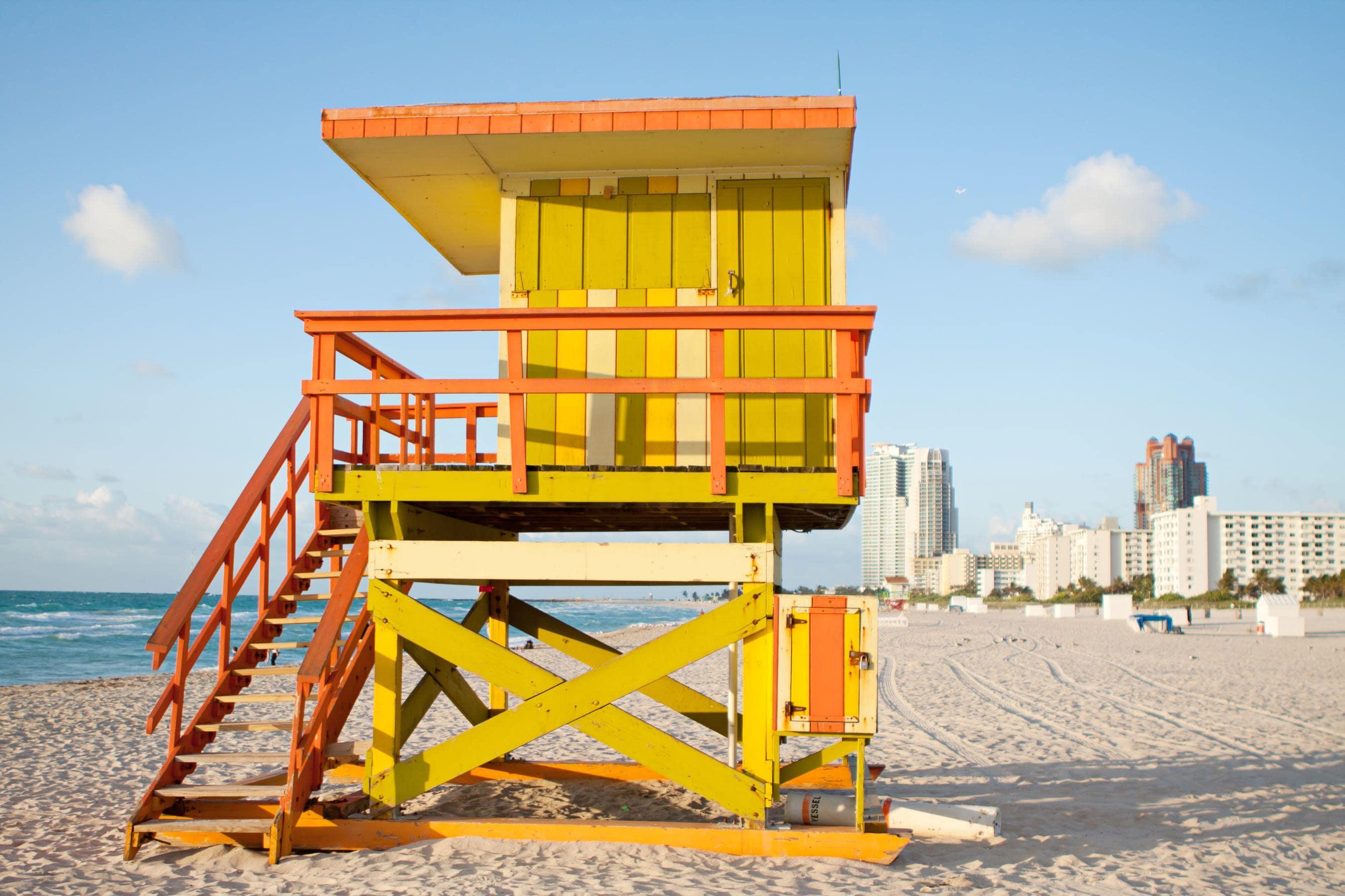 02_Miami-Best-Beaches-8th-Street_Shutterstock_136656746