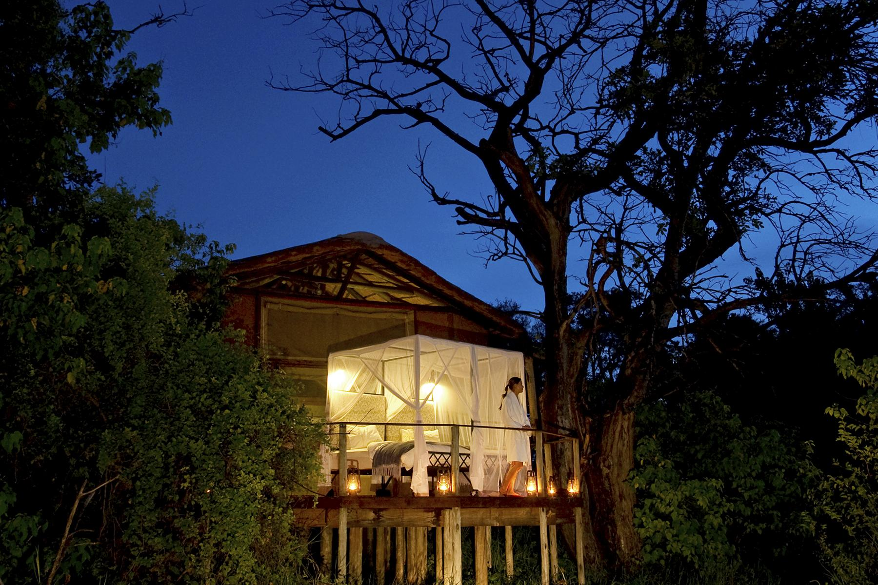 12.Unique-Hotel-Experiences-Sleep-Outside-On-Safari-1