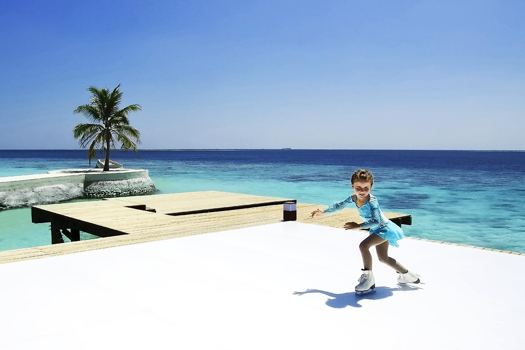 6.Unique-Hotel-Experiences-Ice-Skate-On-Island-1