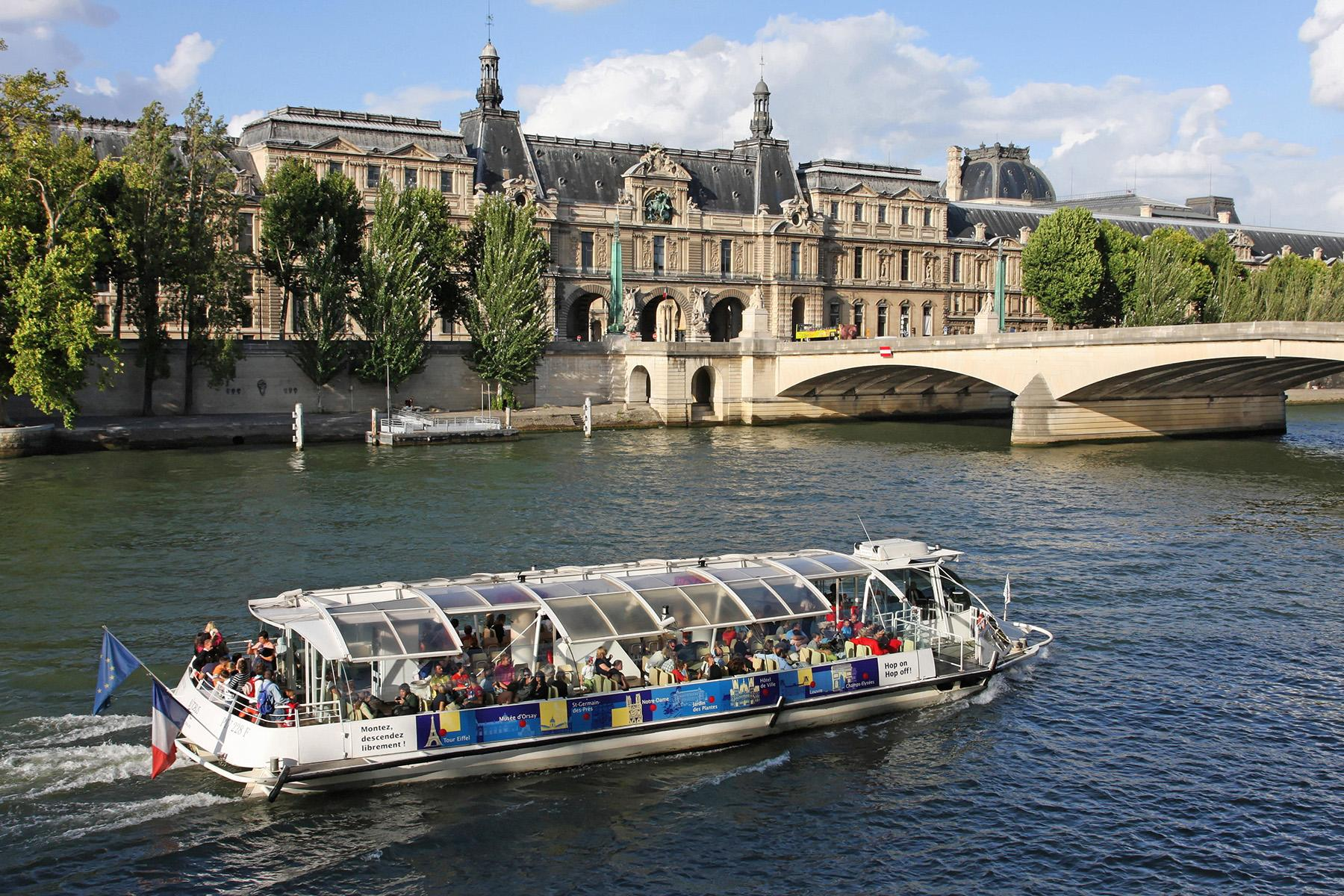 7 Ride the Bateau Mouche the 25 ultimate things to do in paris The 25 Ultimate Things to Do in Paris 7 Ride the Bateau Mouche