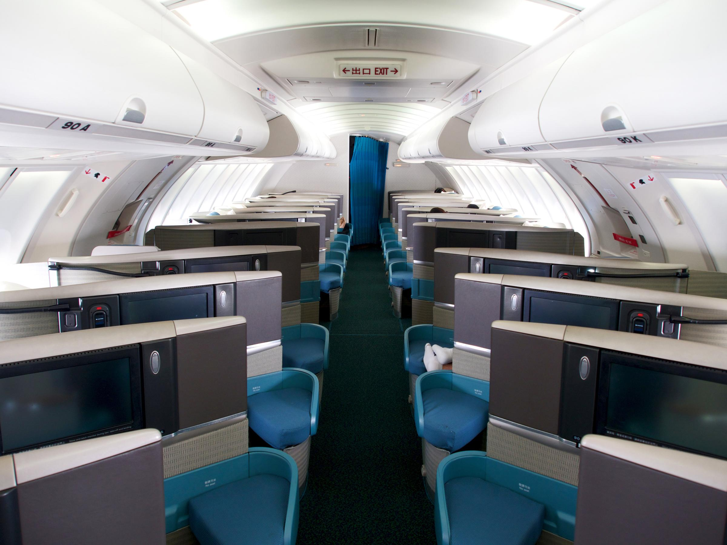 16 Things to Expect on Your 16-Hour Business Class Flight