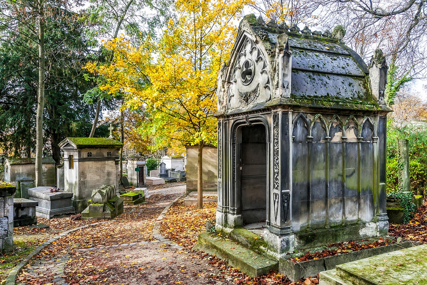 UltimateParis_PereLaChaise_shutterstock159423110_1 the 25 ultimate things to do in paris The 25 Ultimate Things to Do in Paris UltimateParis PereLaChaise shutterstock159423110 1