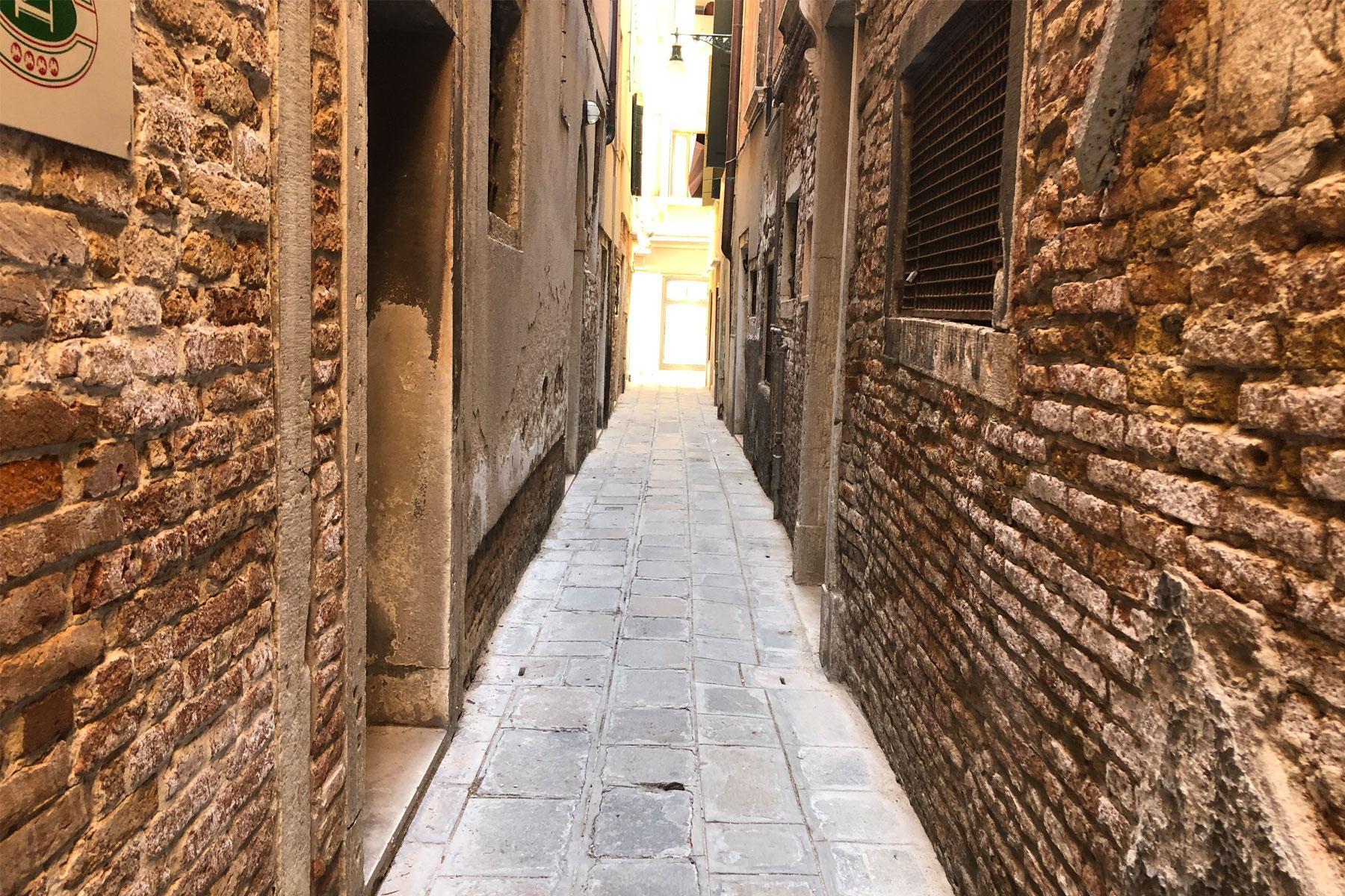 Venice_Lab1