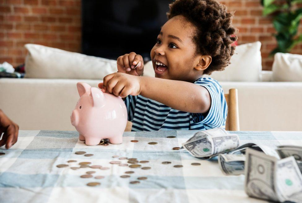 kid savings money piggy bank
