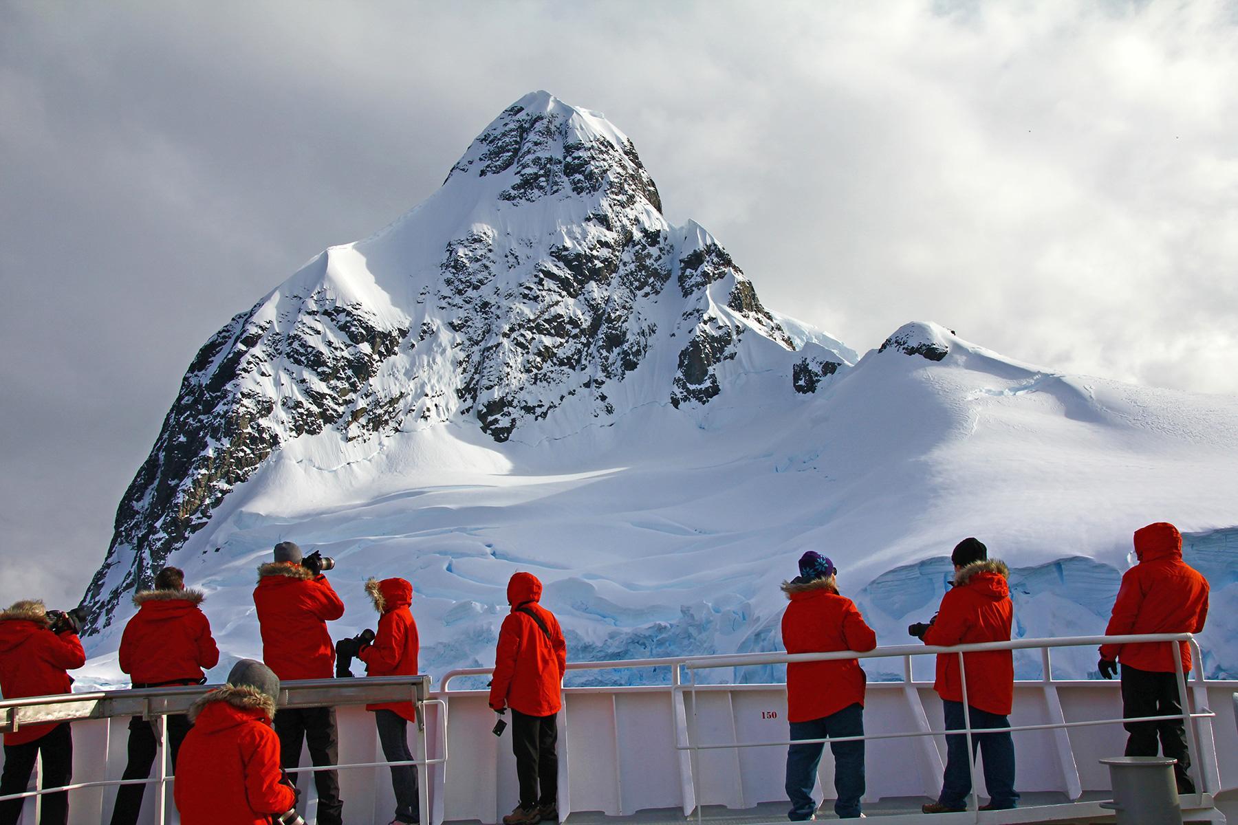 14_Antartica101_DontNeedBring Boots_shutterstock_757593991_1