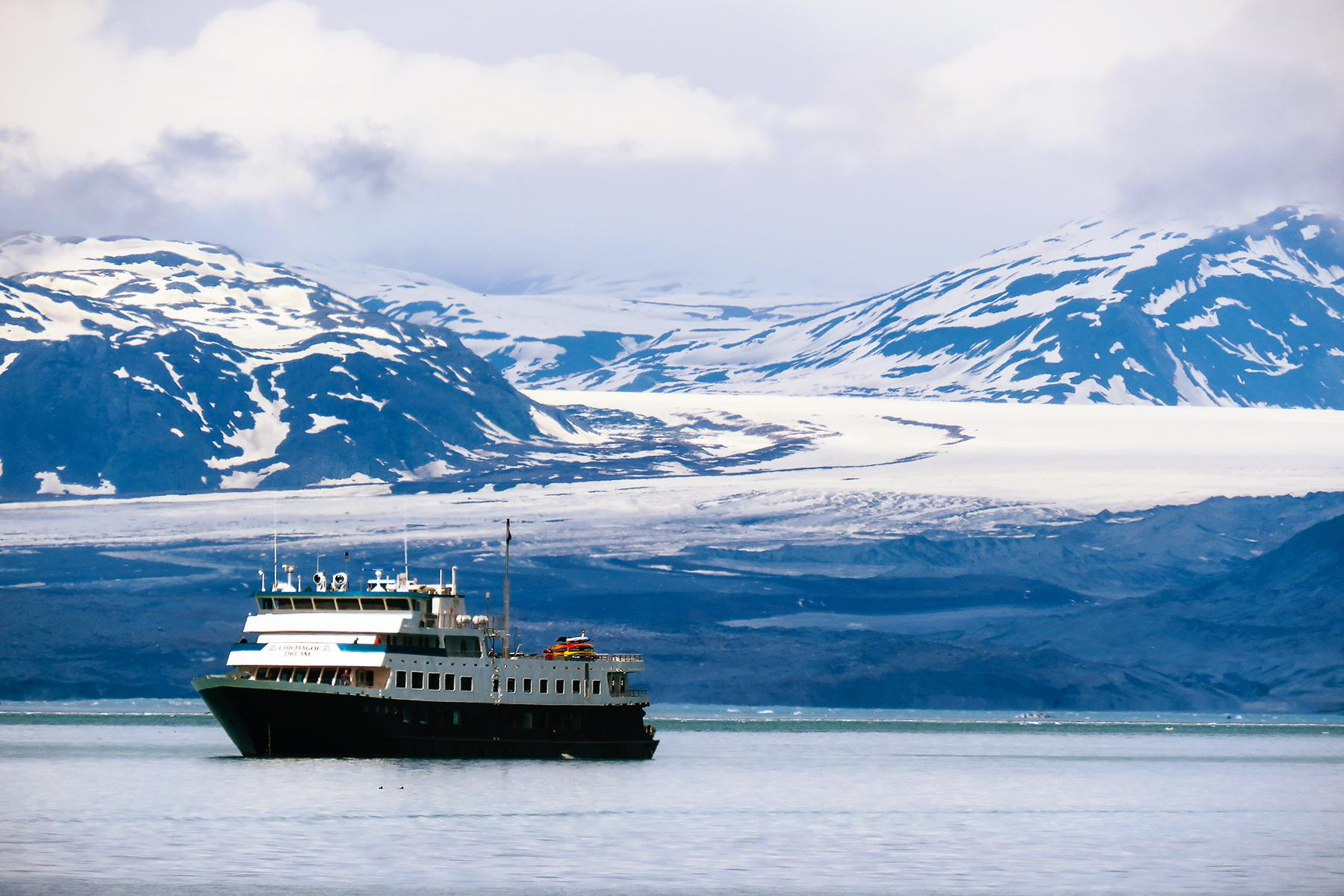 Why You Should Take an Alaskan Cruise on a Small Ship