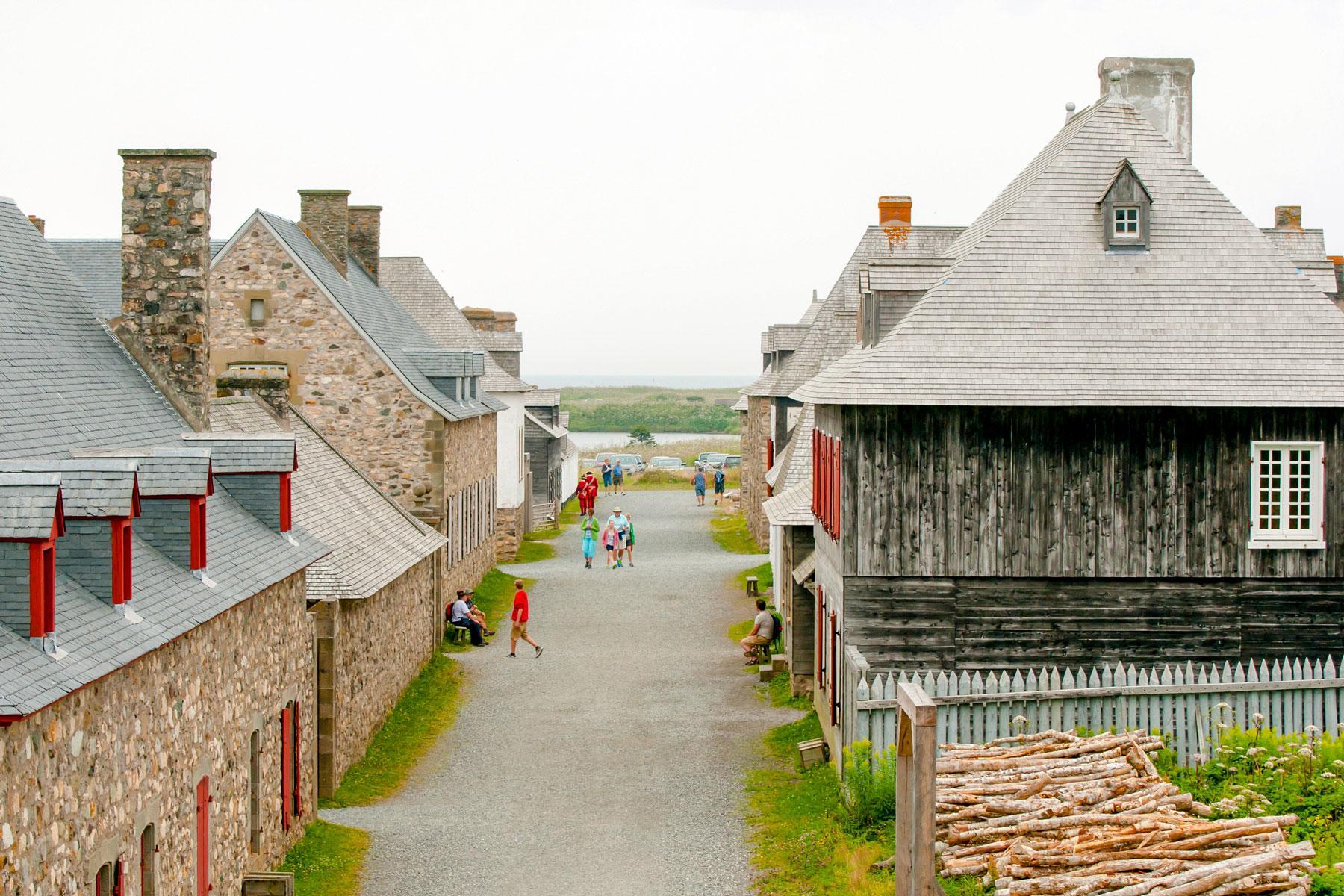 04_Historic_Sites_Atlantic_Canada_Louisbourg_Fortress_dreamstime_l_93338945