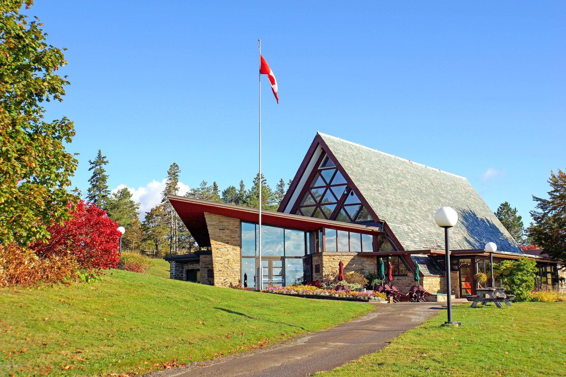 05_Historic_Sites_Atlantic_Canada_Alexander_Graham_Bell_Museum_15347249479_f8668d6d32_o-(1)